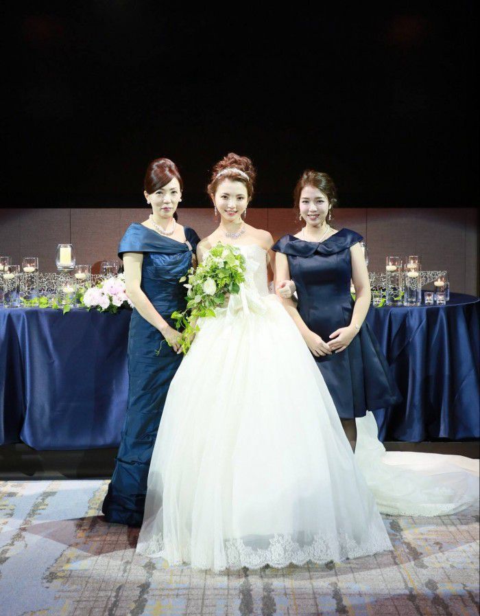 88cdc93bae538 実際に結婚式でお母様がフォーマルドレスを着られた素敵なお写真を公開 ...