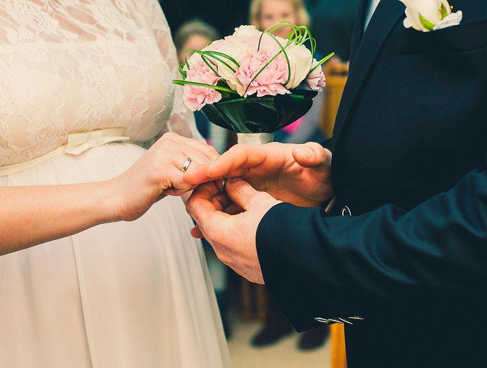 結婚式の晴れ舞台!高級感で選ぶフォーマルドレス
