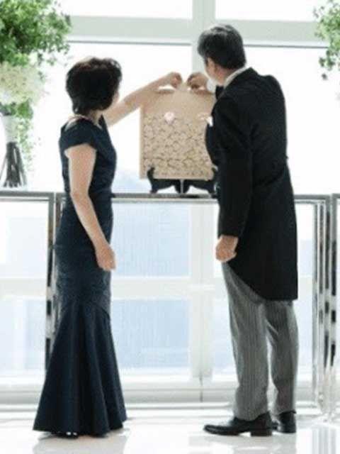 結婚式当日の母親のドレスイメージ
