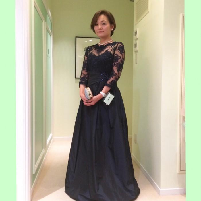 新婦のお母様の素敵なドレス姿に流行に敏感なお嬢様も納得!