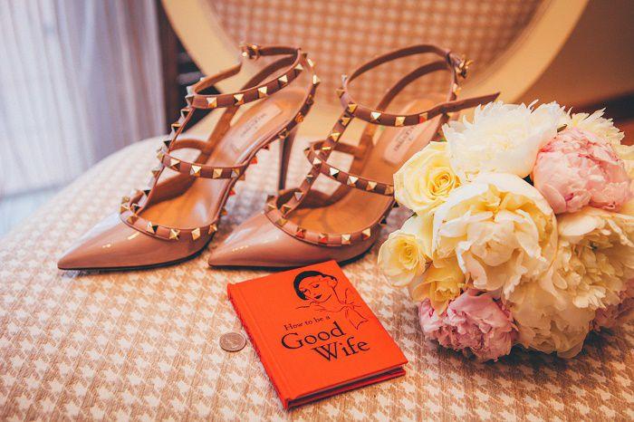 【保存版】結婚式当日バッグに何入れる?持ち物は早めにご準備を!
