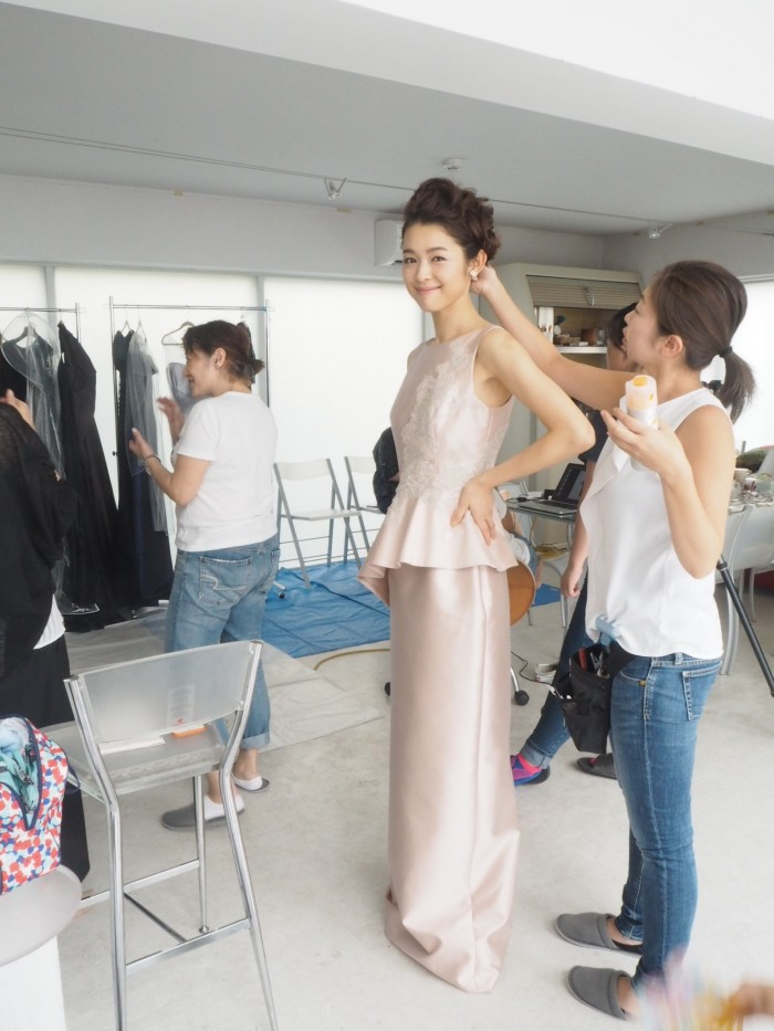 ウェディング雑誌『WEDDING BOOK』にM&Vのドレスが!撮影現場見学~前編