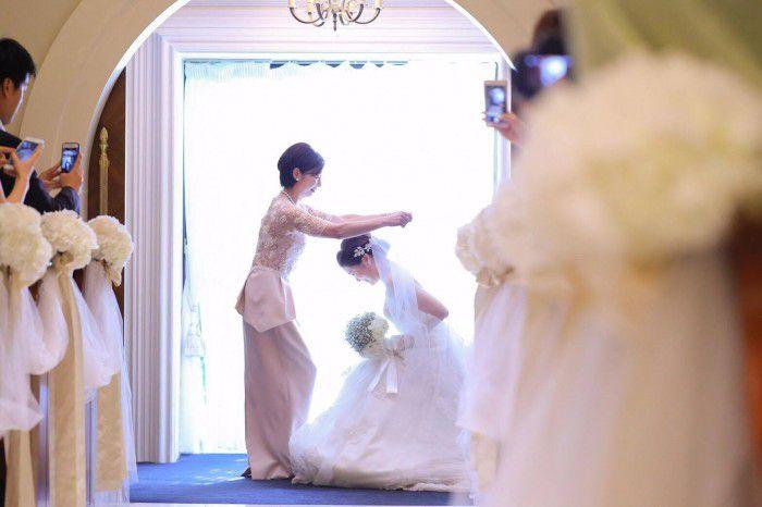 お母様が注目されるベールダウンの儀式とは?〜イマドキの結婚式、お母様は第二の主役!