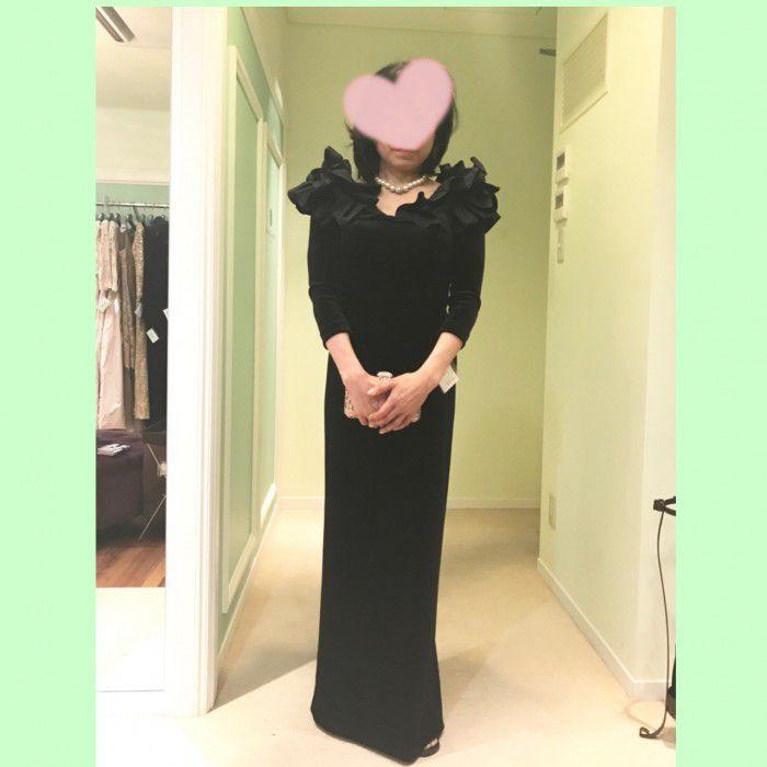 レンタル殺到必至!!秋冬挙式のお母様のフォーマルドレス、大人気のベルベットドレス