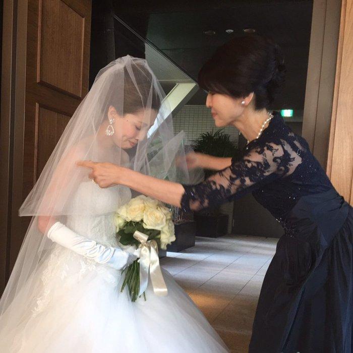 【結婚式母親の衣装】洋装なら黒留袖に匹敵する高級で上質なフォーマルレンタルドレスがお母様にふさわしい| 結婚式の母親ドレス M&V for mother | 結婚式の母親ドレス M&V for mother