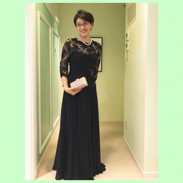 エレガントなお姿にうっとりするお母様のためのフォーマルロングドレス