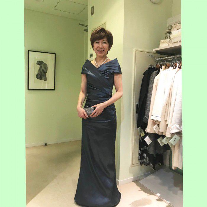 お母様の立場だからこそロングドレス〜ファッション感度の高いお母様はレンタルを賢く利用して楽しむ‼