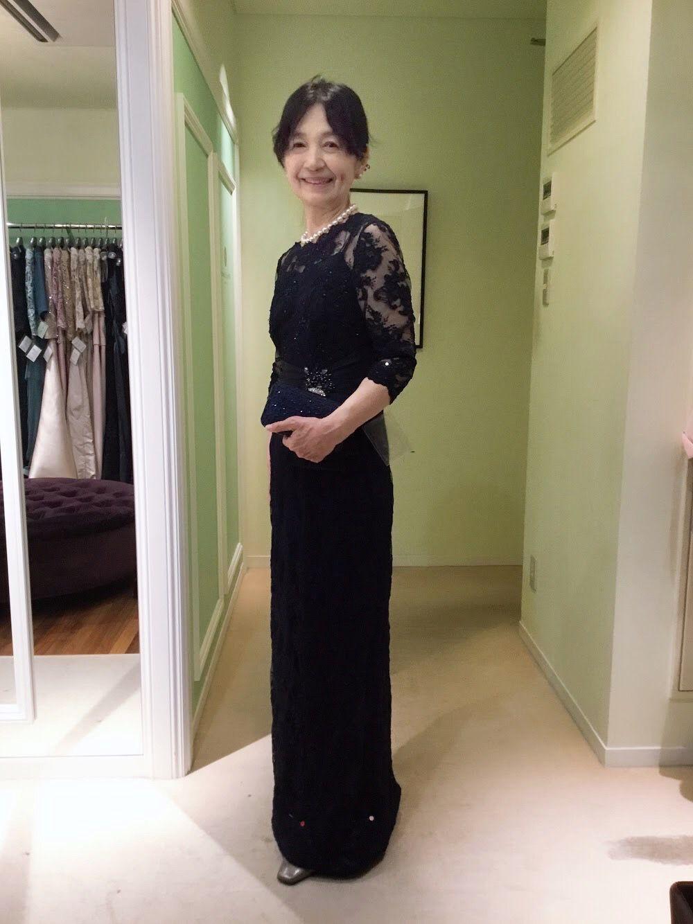 【結婚式母親の高級ドレス】お相手のお母様は黒留袖。着物とバランスの良いフォーマルドレスはどう選ぶ?| 結婚式の母親ドレス M&V for mother