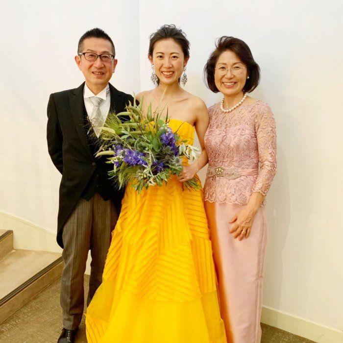 【結婚式母親の高級ドレス】パッと目をひく華やかさと上品さを纏って過ごす幸せな1日♪ブライダルマザードレス®︎L-63