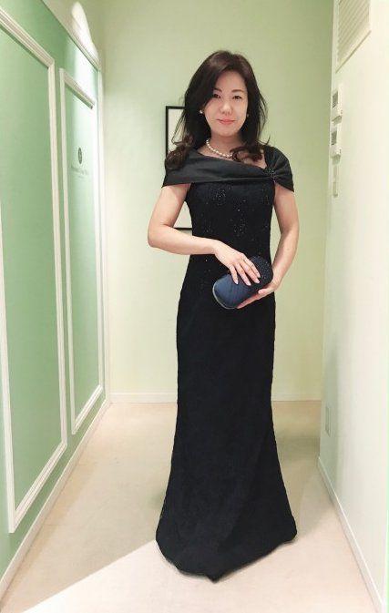 【結婚式母親の衣装】センスの良いお母様が選ばれているマーメイドラインの上品なドレス