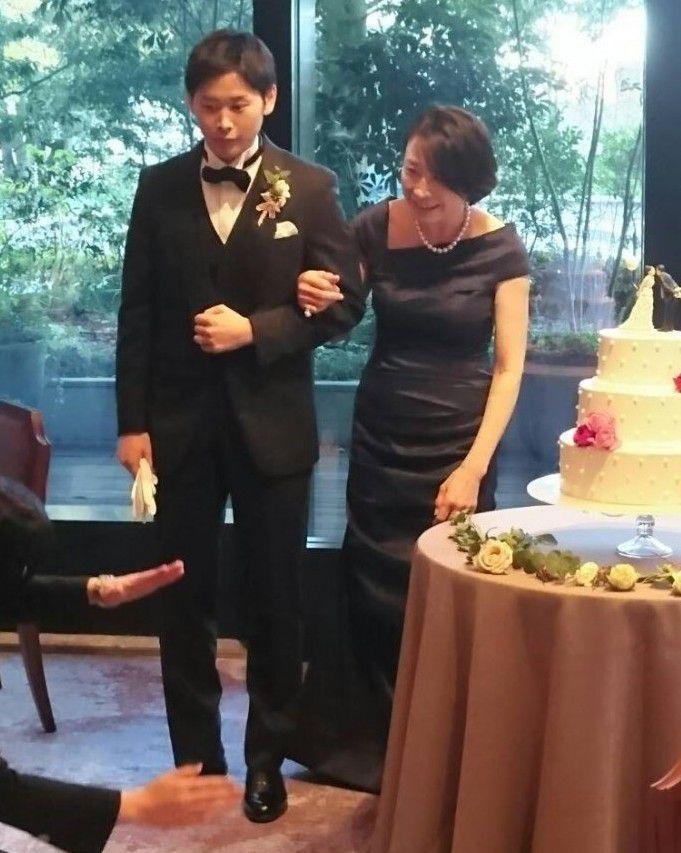 【結婚式母親の衣装】新郎のお母様にふさわしい装いは?実際にドレスを着られたお母様をお手本に