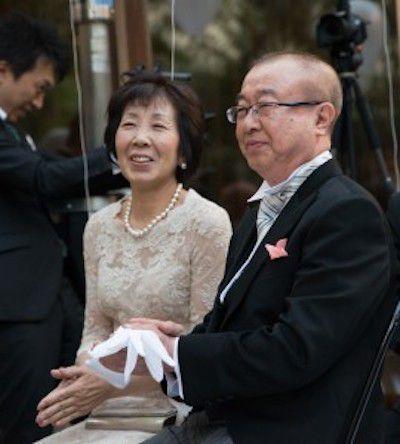 結婚式新婦の母一番人気のフォーマルドレスです